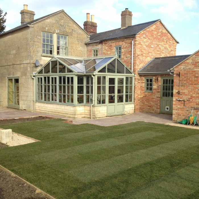 lawn-and-conservatory
